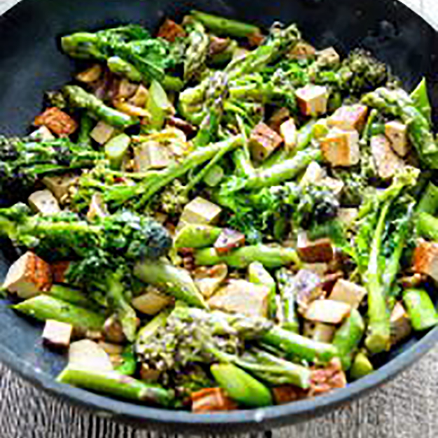 Cook Along with Ming – Asparagus Stir-fry with Tofu